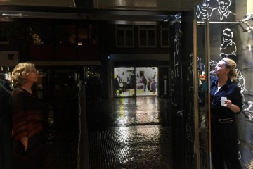 Raamschilderen   Window painting   Queens Alkmaar NL